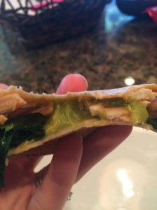 BUFFALO CHICKEN QUESADILLA, SPINACH QUESADILLA, 21 DAY FIX, HEALTHY QUESADILLA, WEEKNIGHT MEAL, WEEKDAY LUNCH, EASY LUNCH, QUICK HEALTHY LUNCH