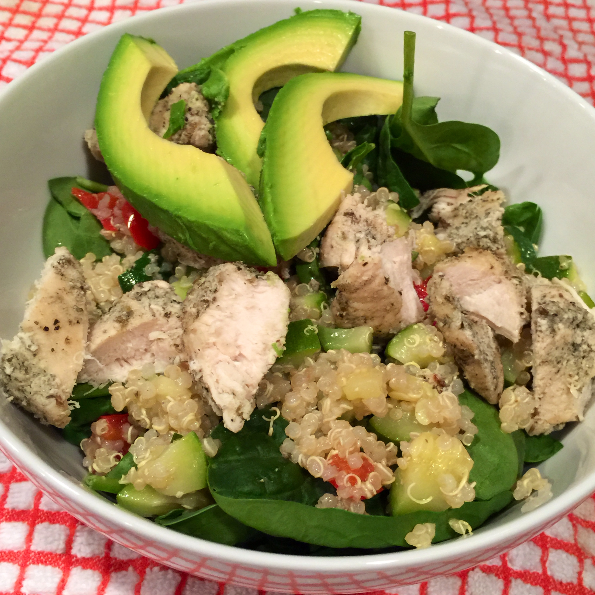 Quinoa Spinach Chicken Rosemary Chicken Quinoa And Spinach Bowl Side View
