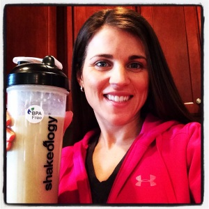 Maegan Blinka, healthy snack, meal replacement shake,  healthy meal replacement on the go, Shakeology, Shakeology cheesecake, vanilla shakeology, Shakeology recipes, clean eating, clean snacks, breakfast on the go, meal replacement