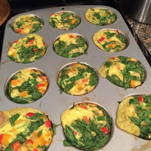 Vegetable Egg Cups, Freezer friendly egg muffins, freezer friendly egg and veggie muffin cups, 21 day fix extreme nutrition guide, 21 day fix approved, 21 day fix meal plan, 21 day fix extreme new recipe, Egg and Veggie meals, Quick healthy breakfast idea, High Protein snack, Maegan Blinka,