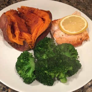 Maegan Blinka, Baked Salmon, Broiled Salmon, Lemon Salmon, Easy Healthy quick salmon, gluten free salmon recipe, fast and healthy salmon recipe, no meat fridays, meatless monday meal ideas, clean salmon recipe