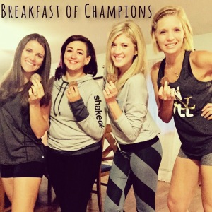 Fitness group photo shoot idea, Fitness inspiration, Maegan Blinka, Megan Blinka, Poconos golf course, Weekend getaway, Girls weekend trip, breakfast of champions