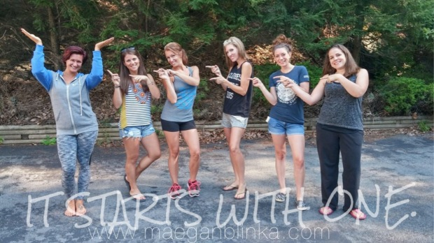 Fitness group photo shoot idea, Fitness inspiration, Maegan Blinka, Megan Blinka, Poconos golf course, Weekend getaway, Girls weekend trip,  It starts with one