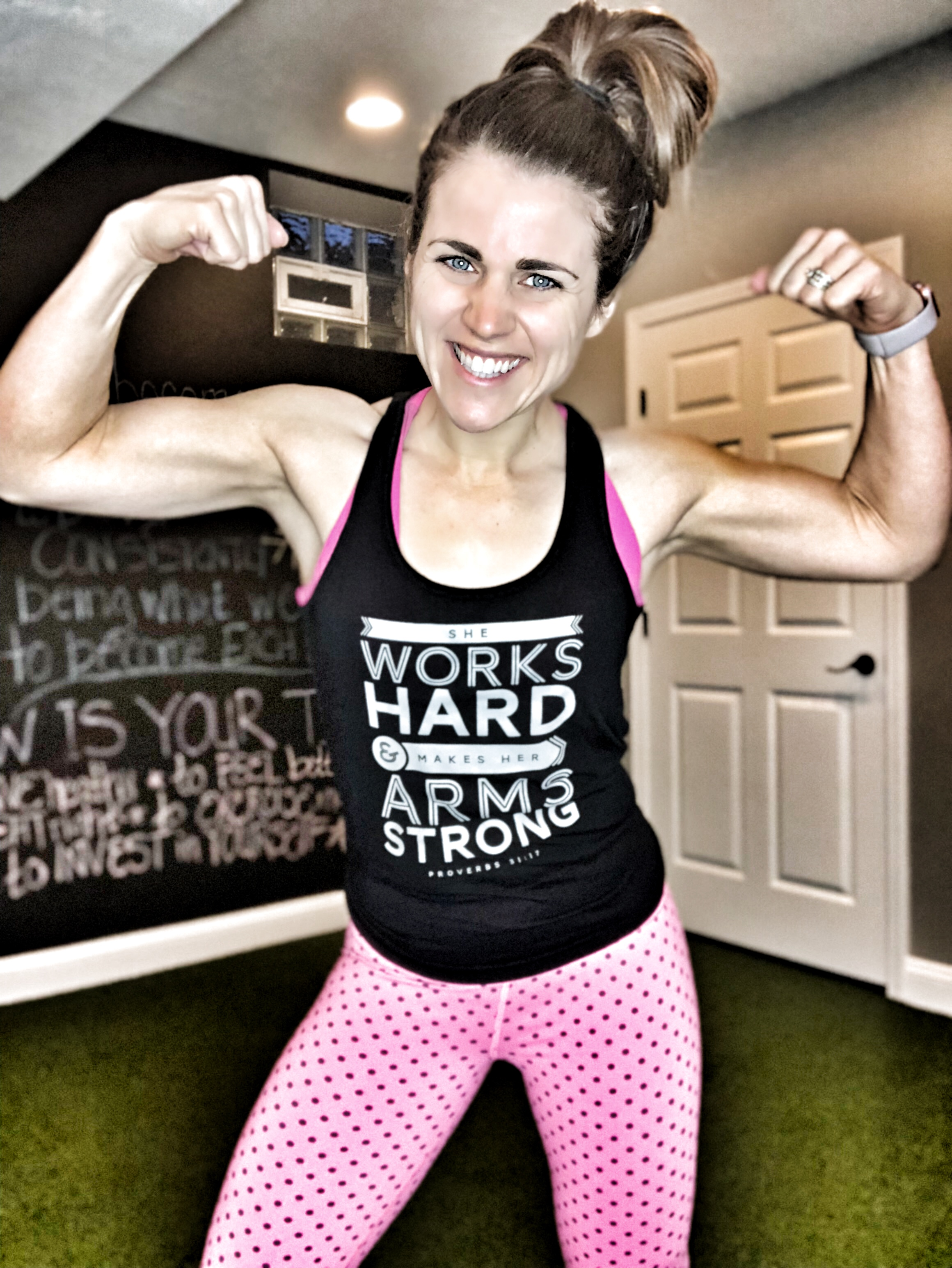 80 day obsession she works hard for her arms strong